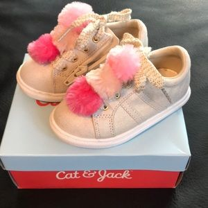 Toddler size 6 cat & Jack lace up/zip up shoes